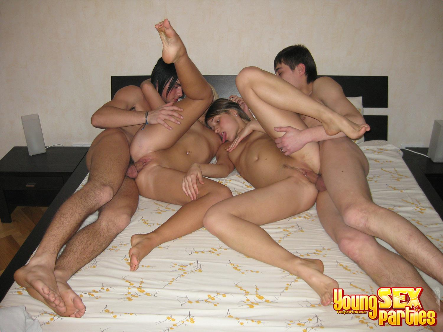 Easier Nude couple sex party idea